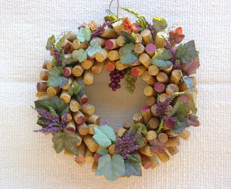 Always in season: Crafty Stuff, Crafts Ideas, Grape Leaves, Corks Ornaments, Crafty Gift, Clever Ideas, Corks Crafts, Corks Wreaths, Corks Projects
