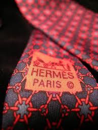 Hermes Ties I love Hermès ties, but I find that in the last years colours are too strong and not as elegant than in the past. Perhaps too many Arabs and Russian nouveaux riches they have as new clients. In the past were just the happy few of intenational society, and true aristocrats.