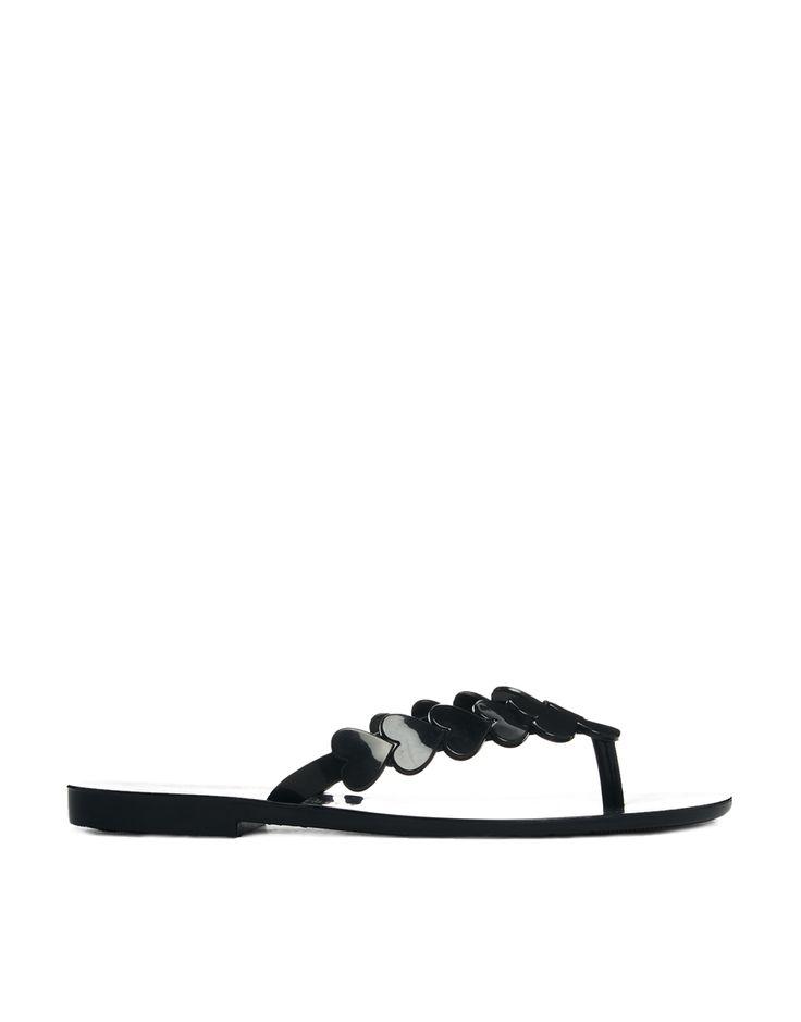€77, Sandalias de Dedo Negras de Melissa. De Asos. Detalles: https://lookastic.com/women/shop_items/70774/redirect