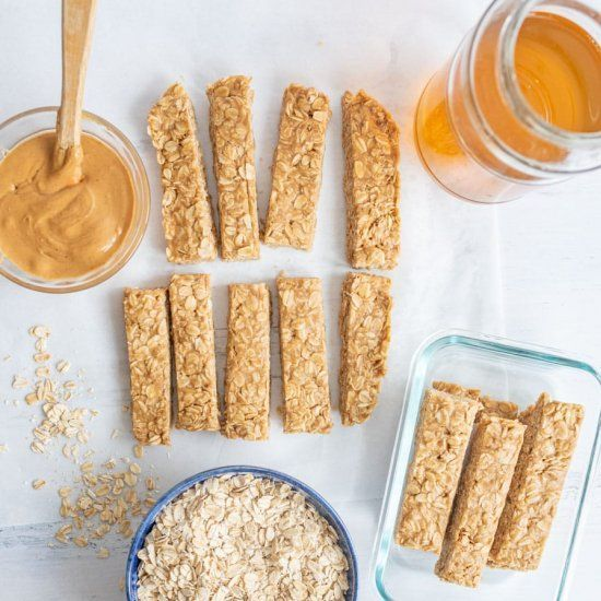 4 Ingredient Peanut Butter Honey Granola Bars that are no bake as well! – #butte…   – Honey Granola