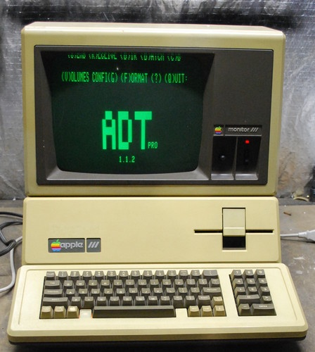 256K Apple III Computer.
