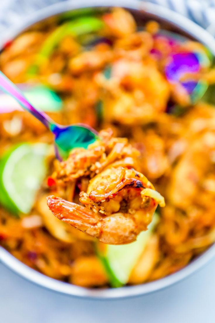 The Best Easy Chicken and Shrimp Pad Thai Noodles Recipe