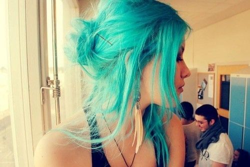 I need to just buy some damn bleach already so that I can use the teal/aqua dye sitting in my cupboard.