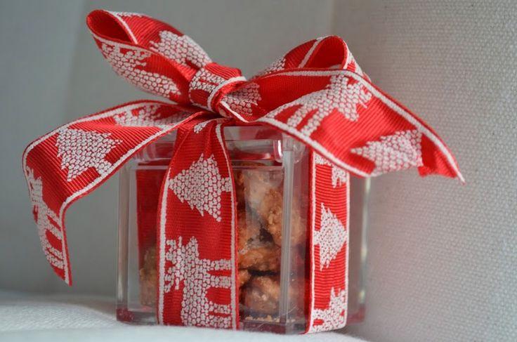 Le mandorle caramellate sono un bon bon che piace a tutti! Facili da fare in casa, perfette come regalino!