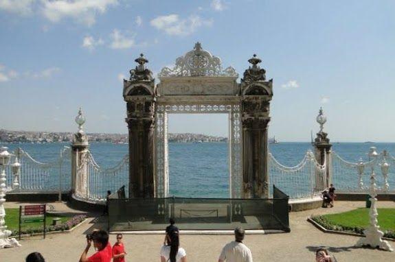 Istanbul-1 - Dolmabahçe Palace - Wikipedia, the free encyclopedia