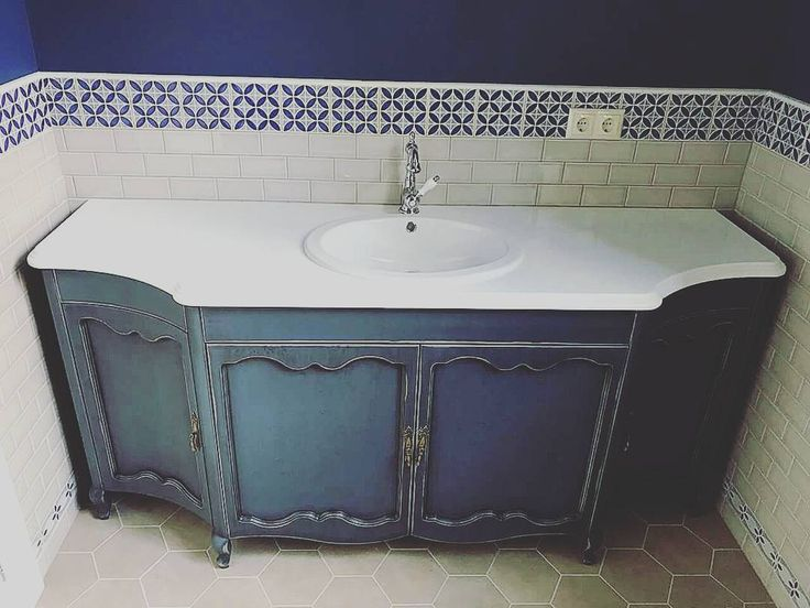 Тумба под раковину. Натуральный массив дерева. Столешница - мрамор. Wooden furniture for the bathroom.  Natural solid wood and marble.
