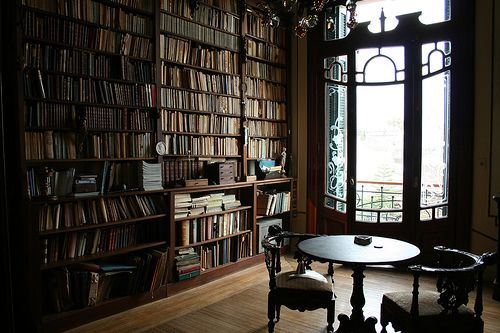 Extensive home library in a lovely room.Dreams Libraries, Reading Area, Art Nouveau, Home Libraries, Book Room, Reading Nooks, Places, Sitting Room, Reading Room