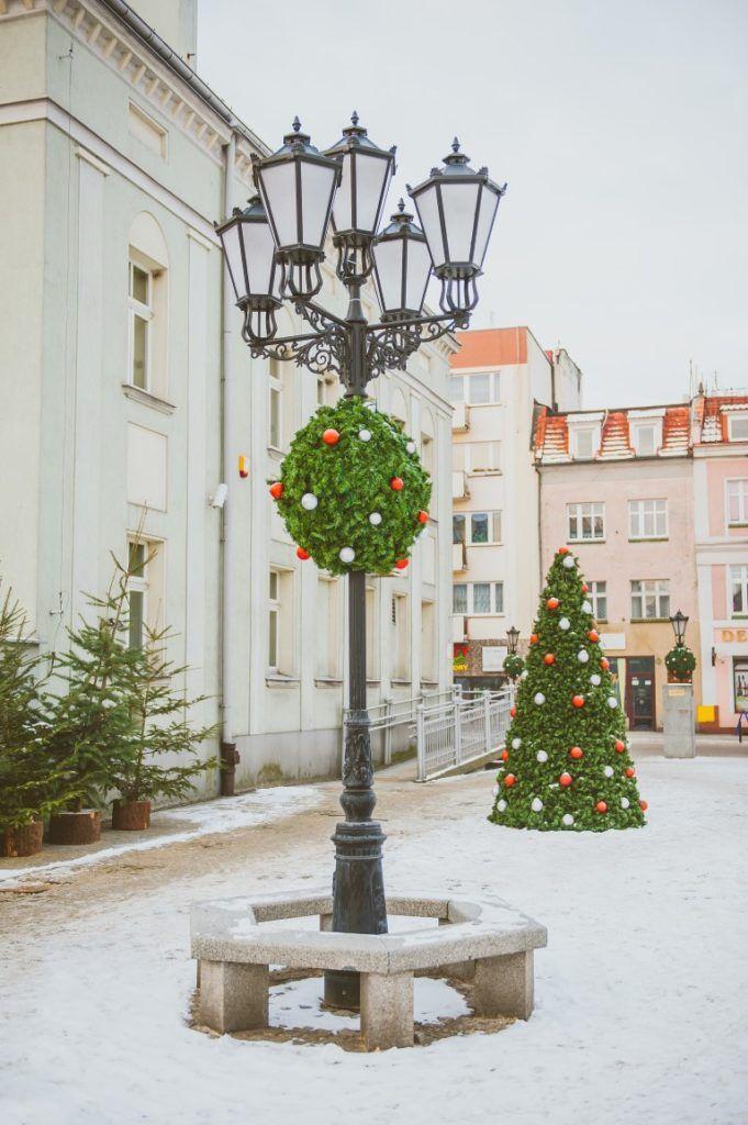 Jak przygotować wieże kwiatowe na zimę? 4 skuteczne sposoby   Inspirowani Naturą   christmas deco terra for cities - terrachristmas.com