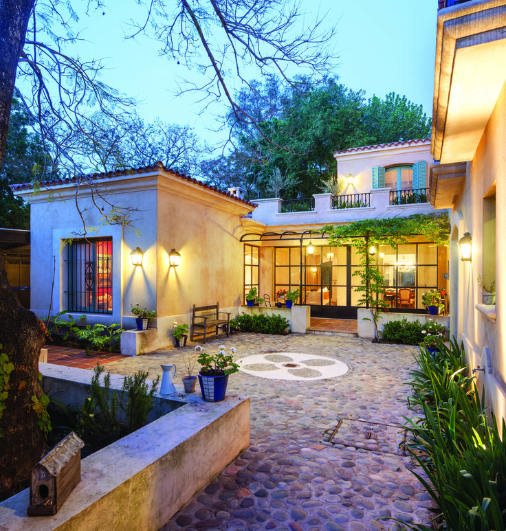 Mediterranean Revival Designs Curated By Los Angeles: 1000+ Ideas About Spanish Patio On Pinterest