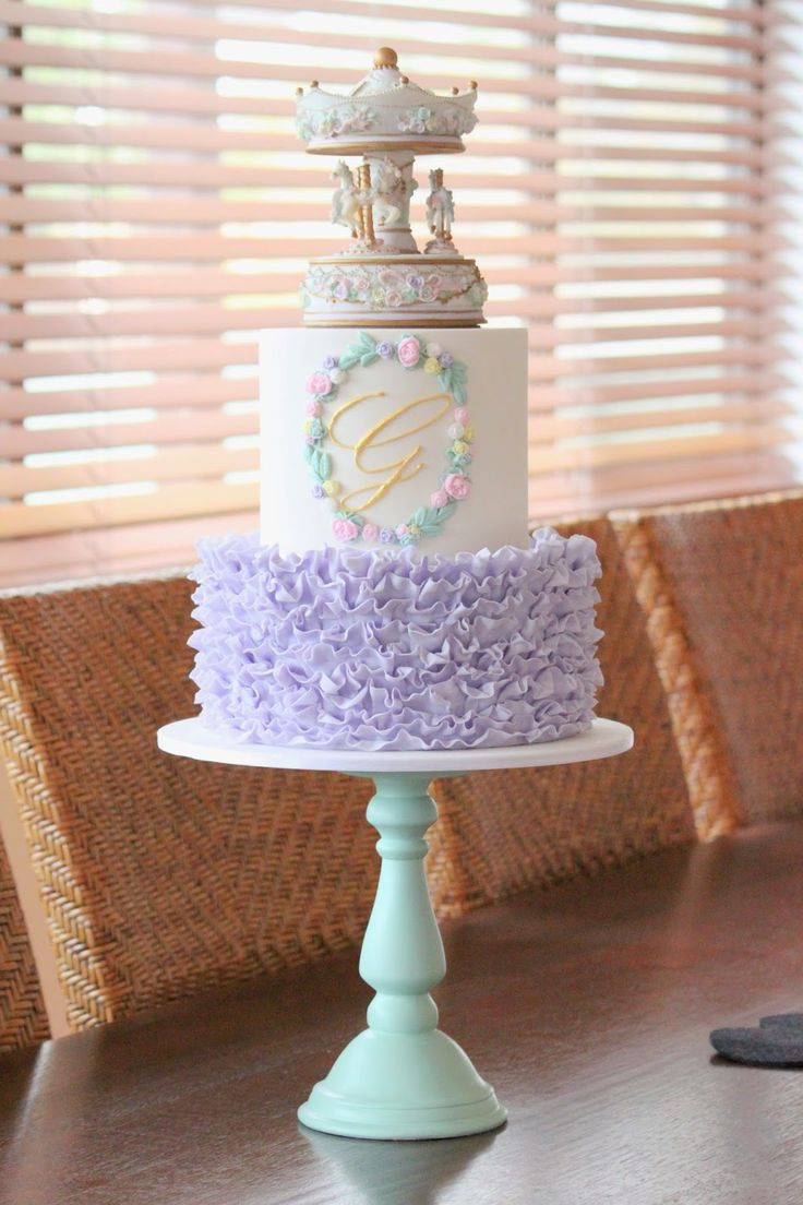 Couture Cupcakes & Cookies: Carousel Cake