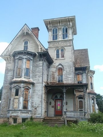 i would love this creepy house.