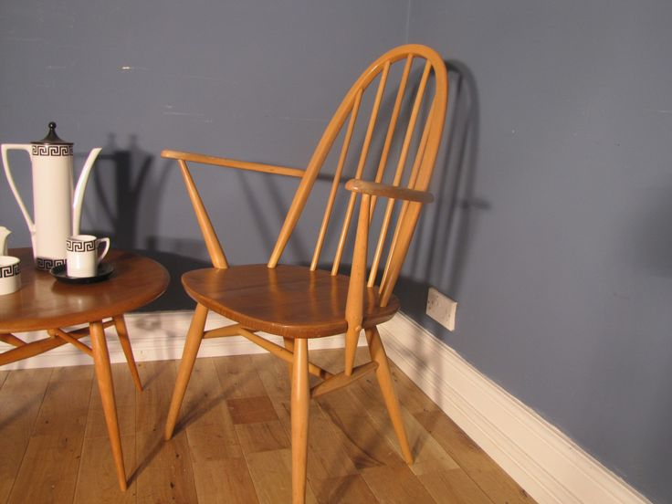 A great opportunity to purchase an Ercol carver chair, perfect as desk or occasional chairs or for finishing off an existing Ercol dining set!   With a high, sculptural back these offer both functionality & design, the grain of the elm & beech construction is beautiful and finishes the look of the chair off superbly.   Offered in excellent vintage condition. Some small marks commensurate with age but each 100% solid & sturdy!  Height to ...