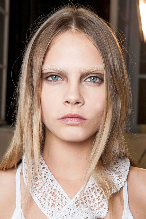 Bleached Eyebrows, Leather Liner & More Daring Trends To Try | The Zoe Report