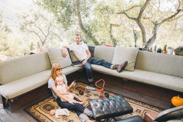 Scarlett and Nevin Pontious' perfect balcony in Topanga Canyon, California - Freunde von Freunden