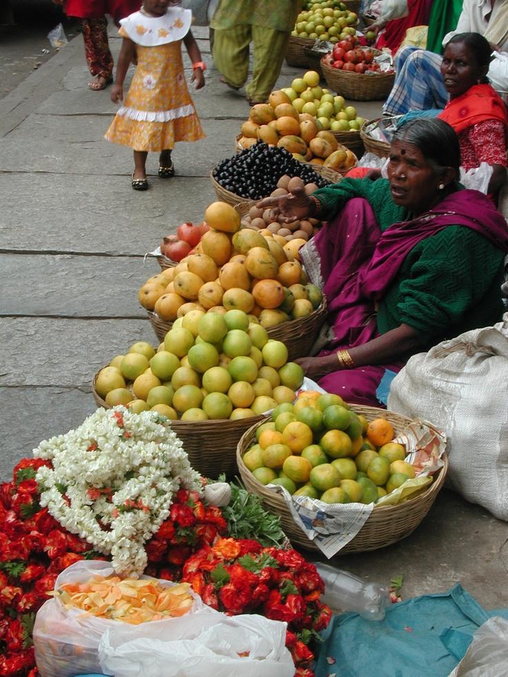 Afternoon market, Chennai, Tamil Nadu (India).