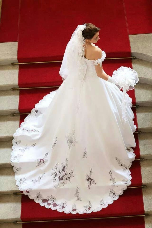 Collections 2011: des robes de mariée aux notes orientales - Robe Oxford de…