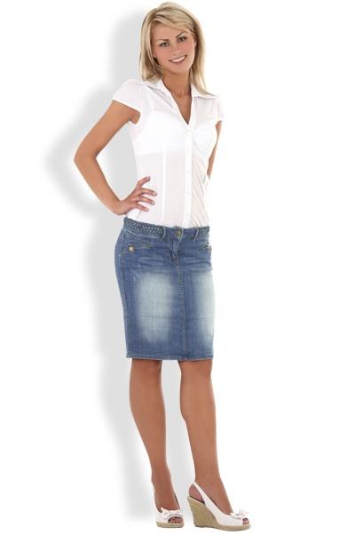 Abbigliamento da Donna  http://www.abbigliamentodadonna.it/jeans-gonna-classica-donna-p-1026.html Cod.Art.001049 - Jeans minigonna trendy moda casual per un look giovane e strepitoso, ideale tutti i giorni per qualsiasi occasione, per essere sexy con stile e molto brio.