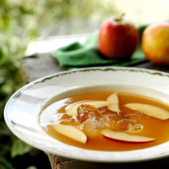 Æblesuppe -http://www.dansukker.dk/dk/opskrifter/aeblesuppe.aspx #dansukker #opskrift #æble #suppe #spis #eat #food #ma #snack #inspiration #lækkert