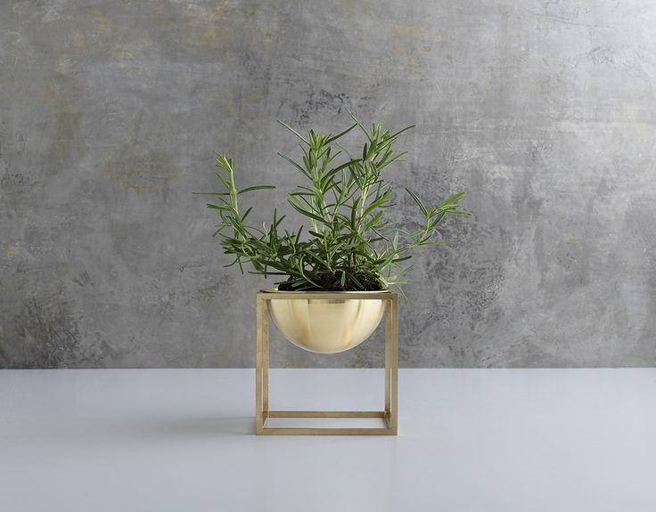 Kubus Bowl was designed by by Lassen in 2009, complimenting the Kubus collection designed by Mogens Lassen in 1962. The entire collection is now relaunched in brass.
