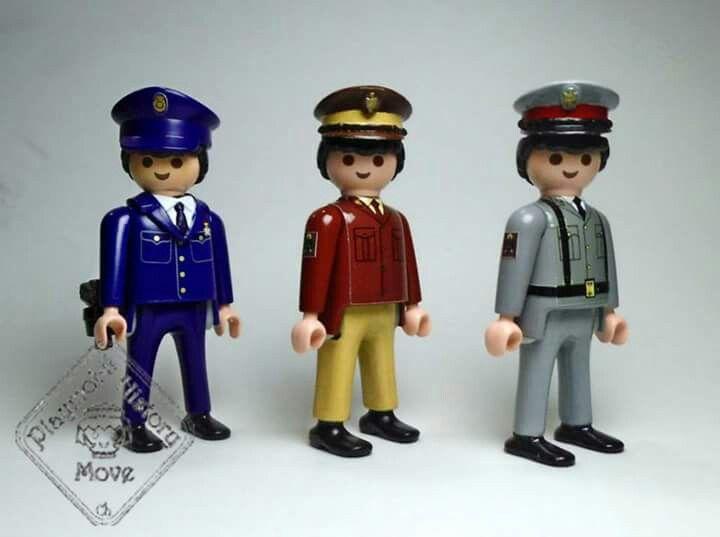 Evolución del uniforme de la policia | Evulution of police 's uniform | Playmobil