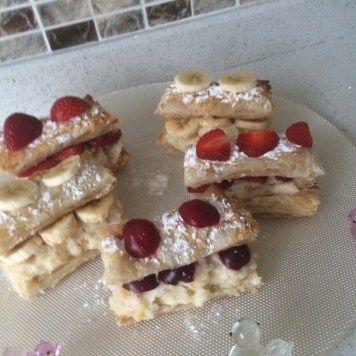 Meyveli Muhallebili Milföy Pasta Tarifi  Diyet Pasta Tarifi