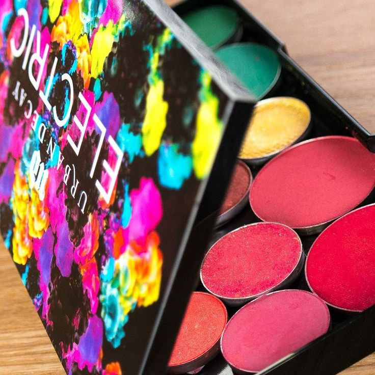Ergänzend zu meiner gestrigen Story (24h sschon rum ist weg) gibt es heute einen Blog Post auf www.magi-mania.de  zu meinem neuesten #Depotting-Projekt - den Recycling-Faktor sehr ihr im Bild   #Eyeshadow#eyeshadowdepotting#lidschatten#Lidschattenpalette#eyeshadowrefill#Palette#EmptyPalette#depotten#redEyeshadow#rot#roterLidschatten#red#beauty#cosmetics#makeup#beautyblogger#beautybloggerDE