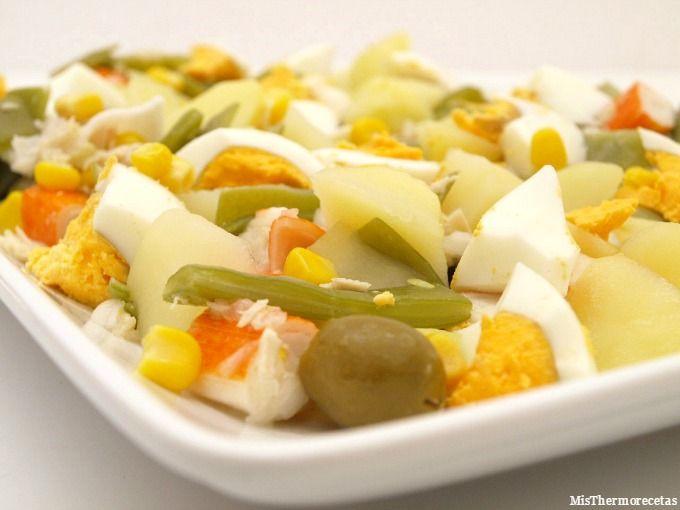 Ensalada templada de judías verdes con patatas, maíz y atún