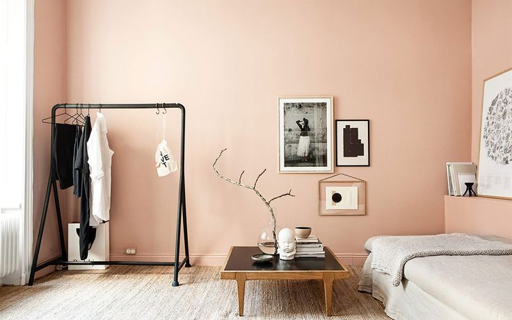 北欧モダン部屋といえば、定番はモノトーンの配色。白×黒の静かなカラートーンが主流です。しかし、ストックホルムの不動産サイト、Fantastic Franではモノトーンだけではない、美しいカラーを取り入れた北欧モダン部屋 …