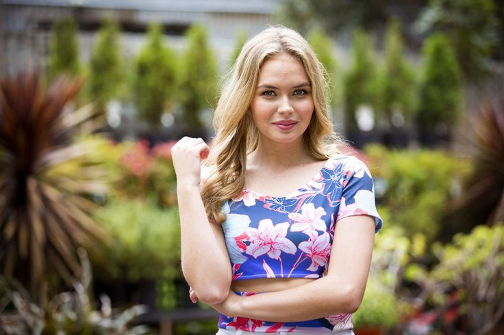Neighbours casts radio presenter Fifi Box in the role of Xanthe Canning's mother - DigitalSpy.com