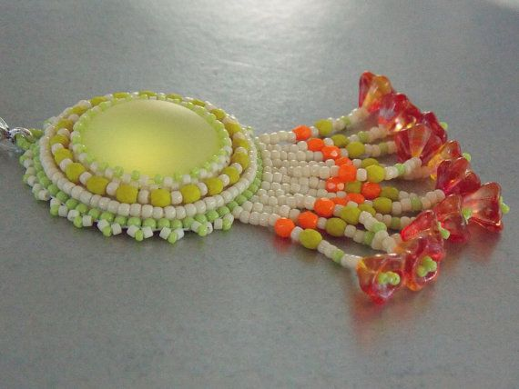 Check out Bead embroidery, Pendant, Seed bead  necklace, Trending style, Lunasoft,  Flower beads, orange, lemon, cream on vicus