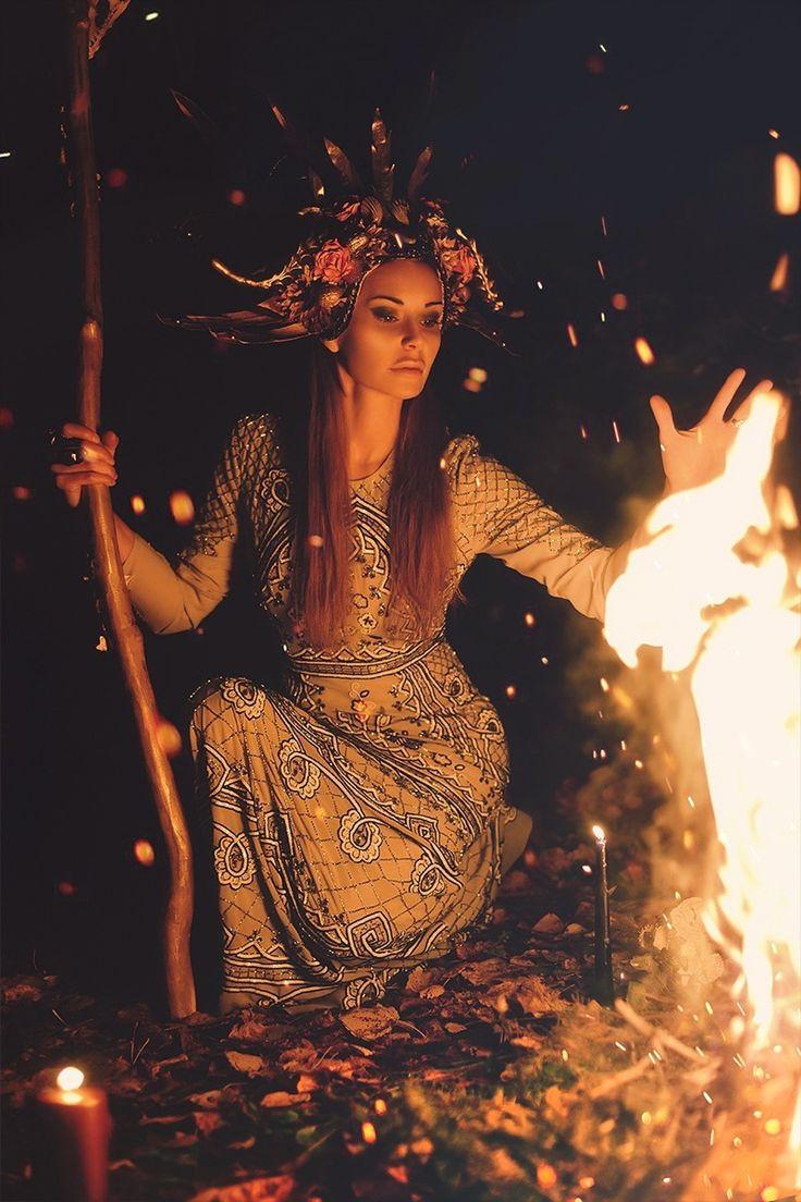 #ekaterinatardif #екатеринатардиф #артефакты #магия #оккультизм #ведьмы #мифы #аксессуарыручнойработы #кристаллы #скульптура #darkart #magick #magickart #priestess #altarart #sculpture