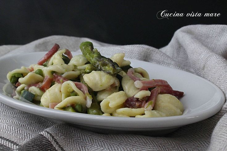 Orecchiette+al+ragù+di+verdure+e+speck