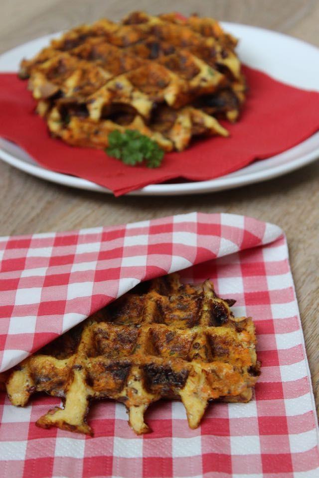 Wortelwafels met tonijn | eethetbeter.nll - gemaakt met wortelpulp of geraspte wortel - Deze wortelwafels zijn heerlijk hartig en kunnen zowel koud als warm gegeten worden.