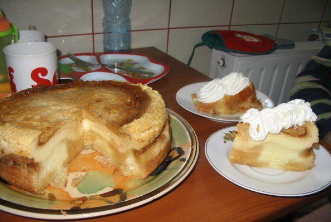 Retete Culinare - Tort cu crema de zahar ars