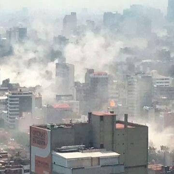 #Mexico #sismo Vía @todonoticias #infoworld: Terremoto en México: un sismo de 7.1 sacudió el centro del país en medio de un simulacro http://tn.com.ar/internacional/terremoto-en-mexico-de-68-causa-destrozos-en-el-df_821466 Un fuerte sismo sacudió hoy nuevamente México, justo en la fecha de los terremotos de 1985 y apenas después de un simulacro. Las autoridades confirmaron que hay al menos 40 muertos. Los reportes preliminares dan números aún más alarmantes. El temblor registrado a las 13.14…