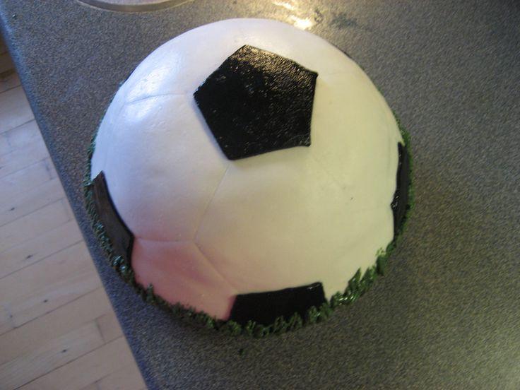Fodboldkage til min mands 21-års fødselsdag i 2009.