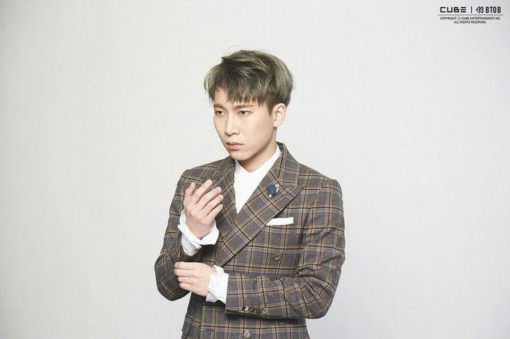"BTOB 10th Mini Album ""Feel'em"". Jacket shooting scene by Naver . Seo Eunkwang"