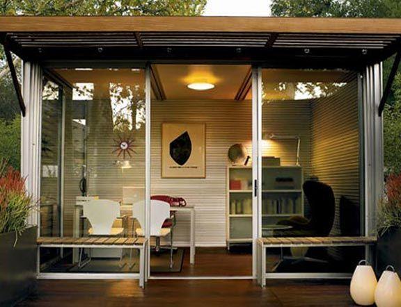 Nice little garden home-office.