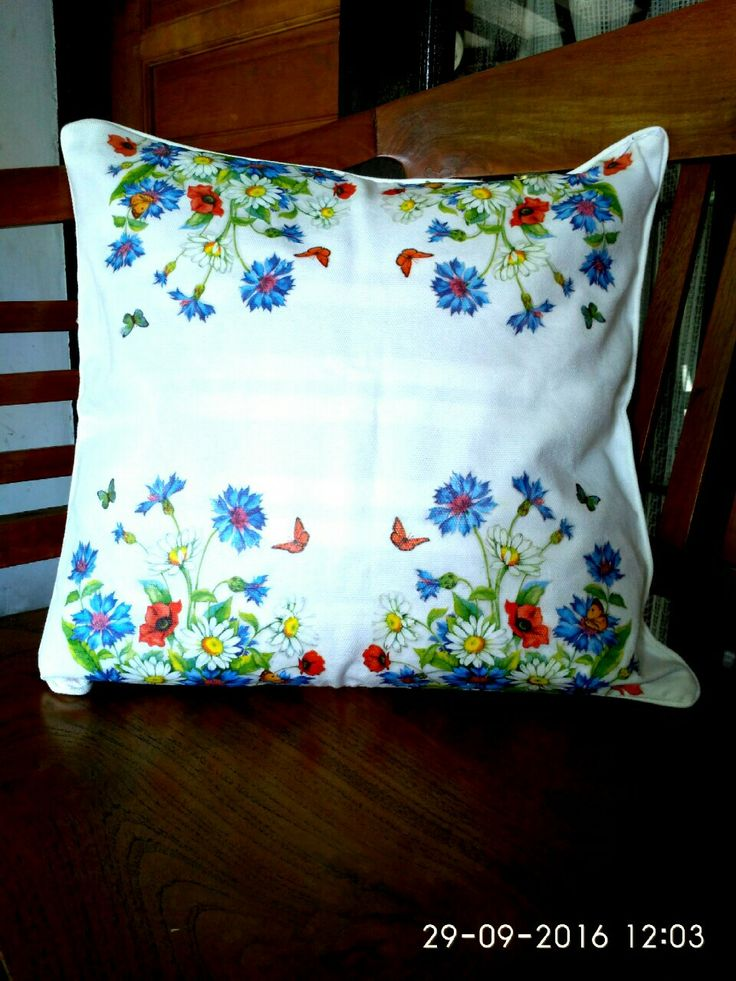 Decoupage sarung bantal kain canvas