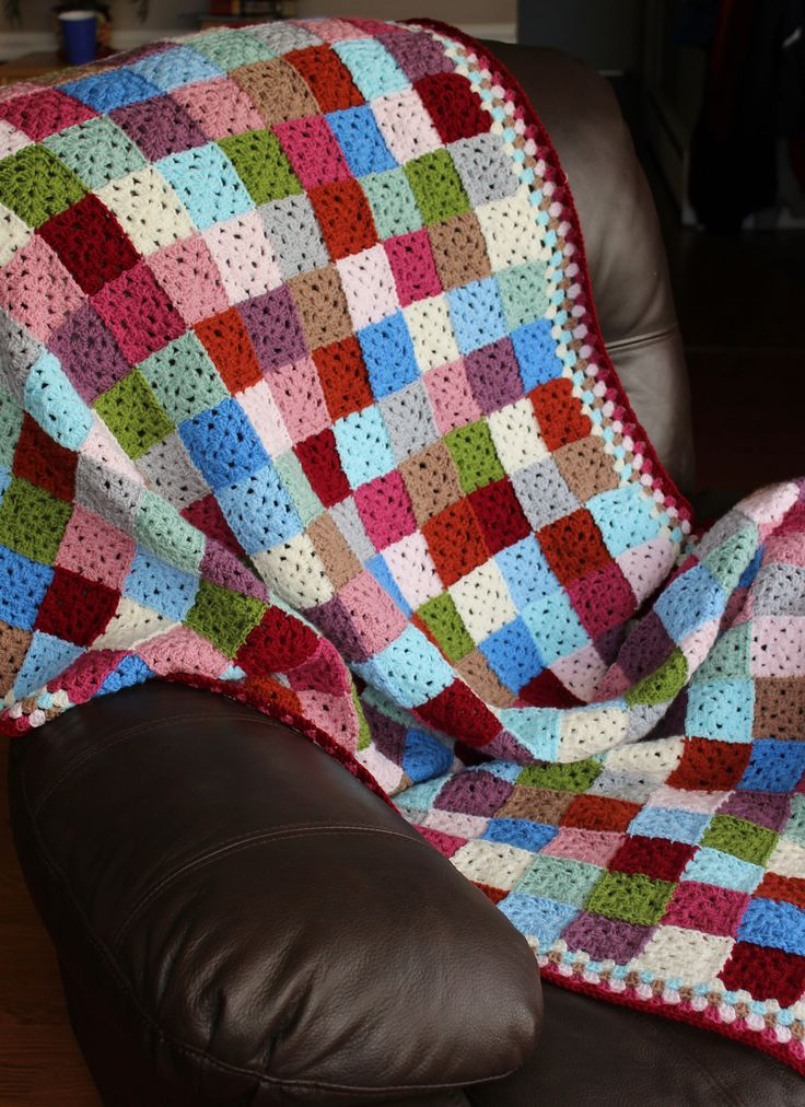 eversosmall's granny square patchwork blanket (Stylecraft colors) #crochet #afghan #throw