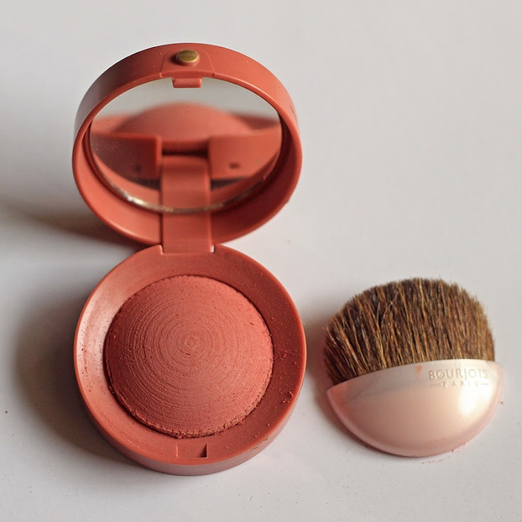#Bourjois Little Pot Blush - 74 Rose Ambré review. This is definitely my favorite blush, very natural. #makeup #ihavethis