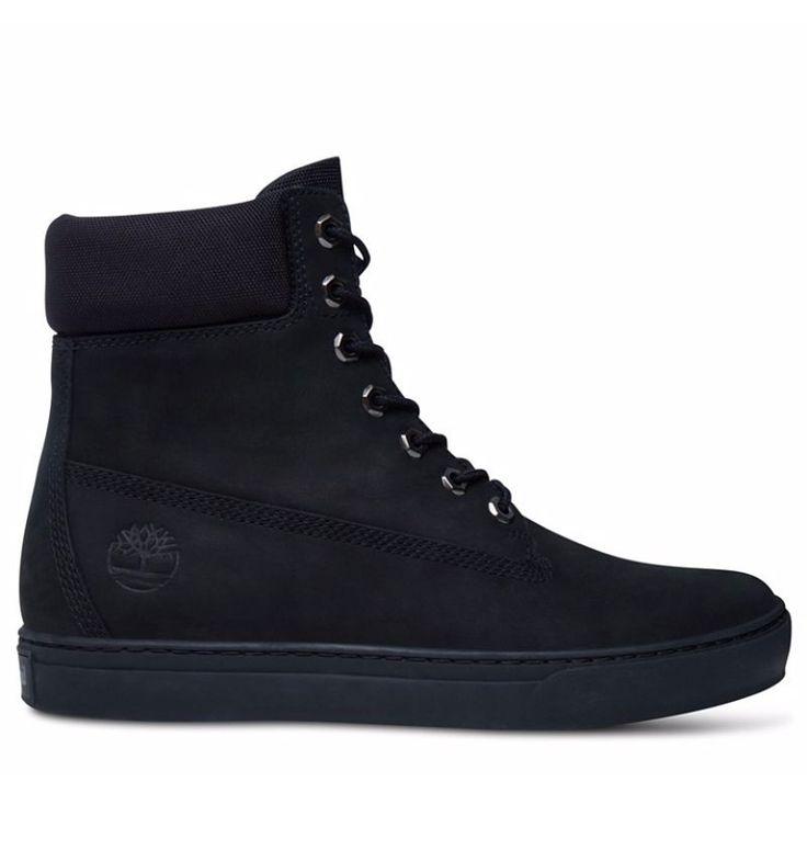 """Réf : A1156 Les Timberland Cupsole 6-inch Boots en nubuck noir sont des baskets montantes parmi les stars de la collection 2015. Entièrement noires, elles raviront les adeptes des looks """"black label"""". Associez-les à un beau jean brut, noir ou gris et ces baskets Timberland Cupsole 6-inch seront un atout indéniable de votre allure urbaine et tendance. Dotées de matériaux aussi confortables que durables, ces sneakers pourront même accueillir une pointe de couleur pour les originaux !"""