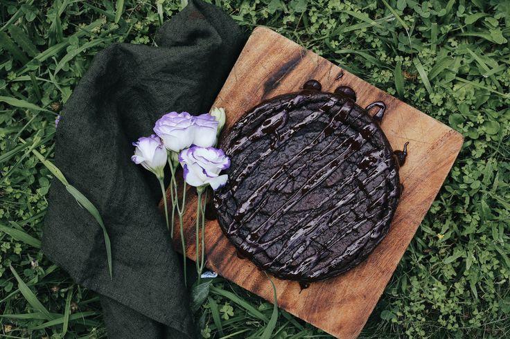 CHOCOLATE AVOCADO FUDGE CAKE