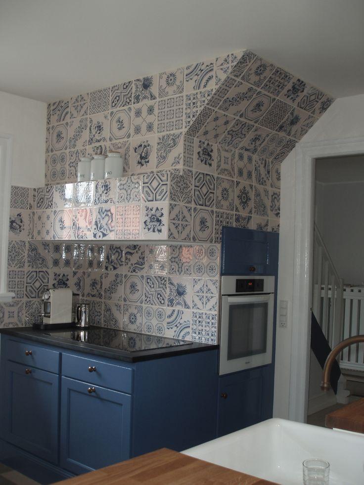 Håndmalet blåt køkken, Indretningsarkitekt MDD Lisbeth Benee Olsen