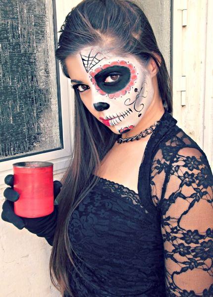 Sugar skull half face | Dia de los Muertos | Pinterest