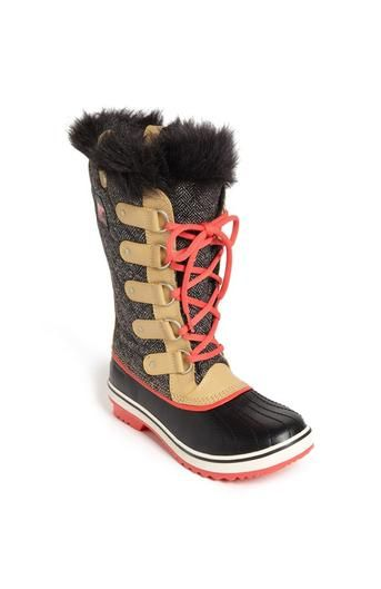 Under $200: 10 Chic Pairs of Snow Boots to Stomp Around in This Season   StyleCa