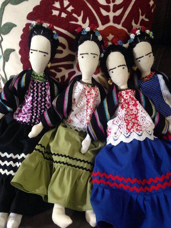 Muñeca de trapo de Frida Kahlo por RagsForDollsMexico en Etsy