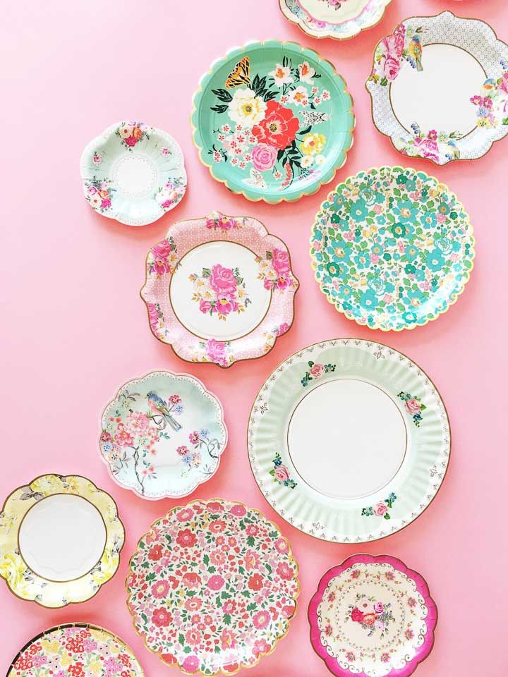 A set of beautiful large party plates decorated with classic floral Liberty patterns perfect for an Easter celebration or springtime get together. The plates are finished with a scalloped edge with ne