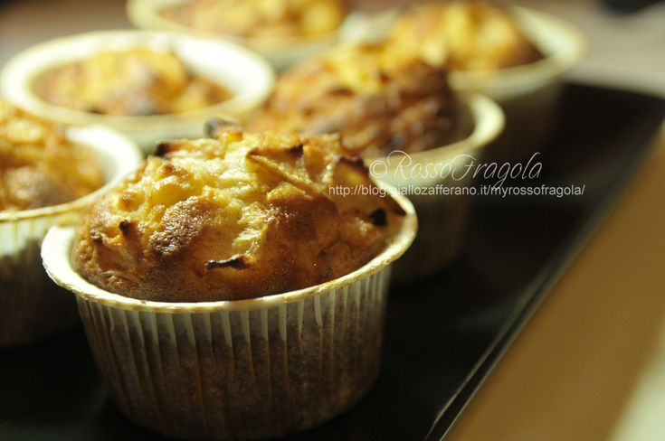 Muffin allo yogurt con mele e cannella