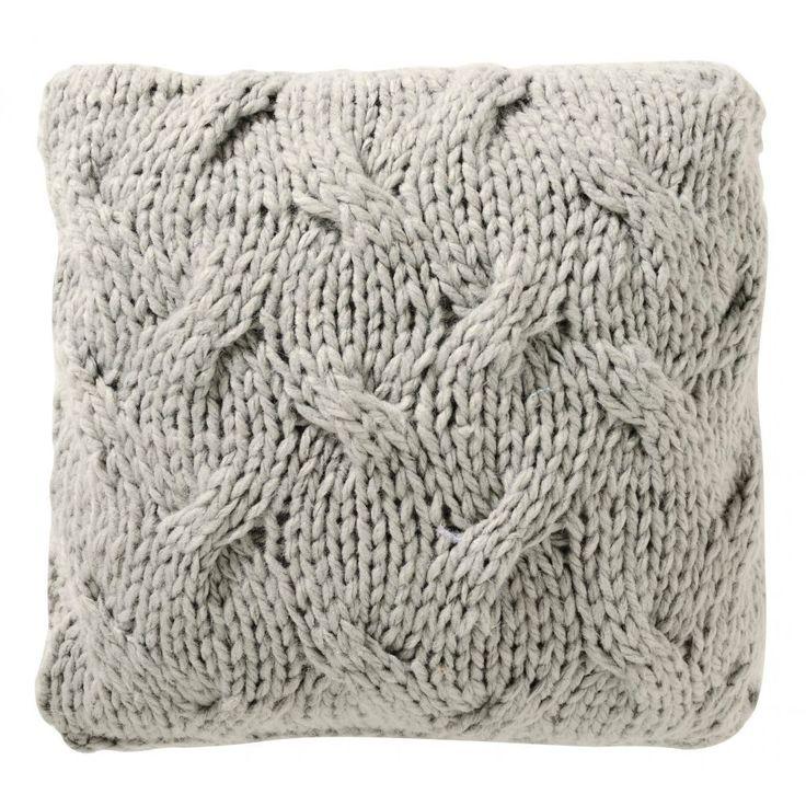 Coussin gris tricotéPrix : 19€90